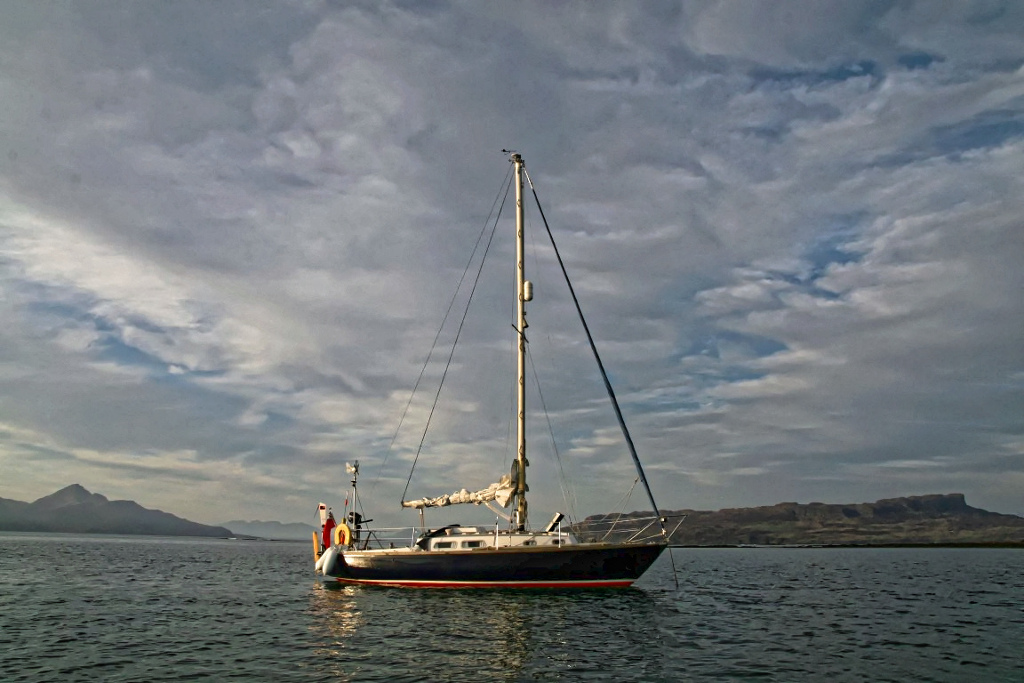 Callisto of Parkstone with the Isle of Eigg in background - This photo by Jimmy