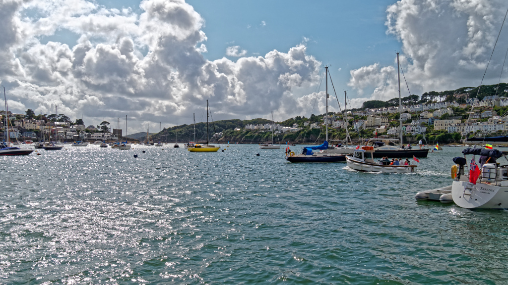Polruan to the left and Fowey to the right (The sunny side and the money side according to one local saying!)
